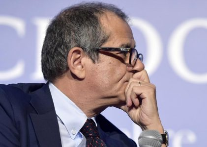 MANOVRA, MINISTRO TRIA UNICO ARGINE A IRRESPONSABILITA' M5S