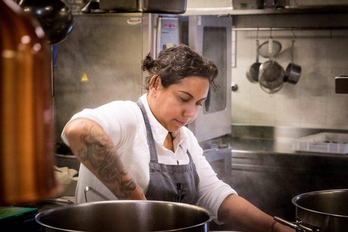 La cucina donna a martina caruso il premio michelin chef donna 2019 - La cucina di martina ...