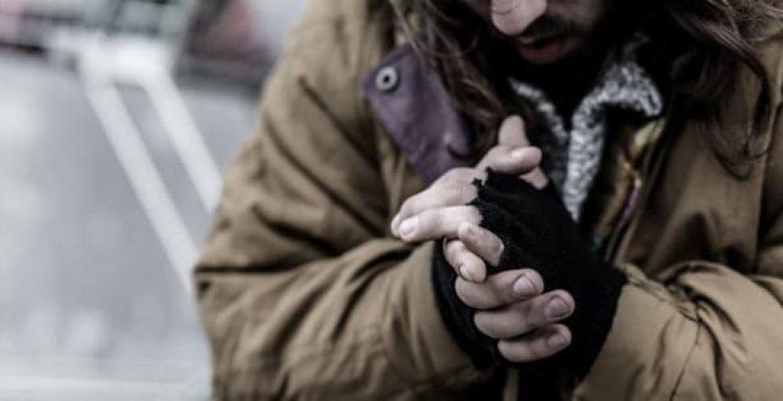senzatetto-vince-scommesse
